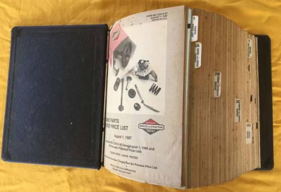 THE CARBURETOR SHOP / Small engine literature